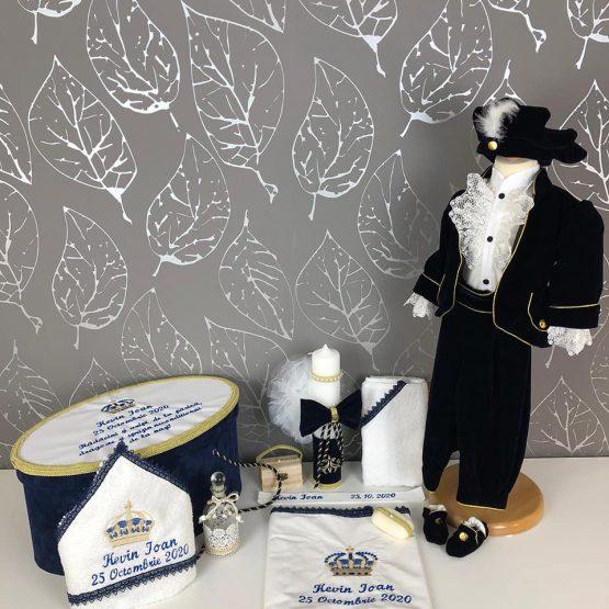 Pachet Elegant Botez Regal – Catifea Bleumarin Inchis Personalizat Prin Broderie